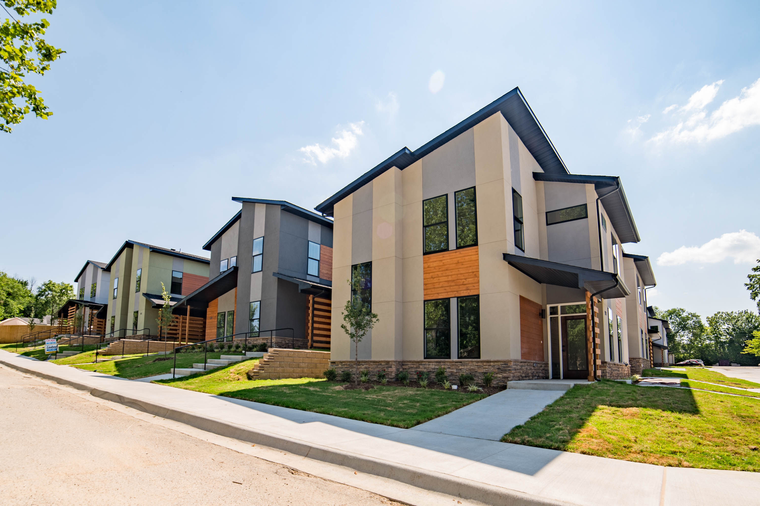 Bild architects north cedar townhomes fayetteville ar for Home builders in fayetteville ar